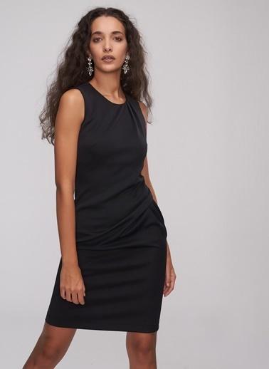 People By Fabrika Pili Detaylı Elbise Siyah
